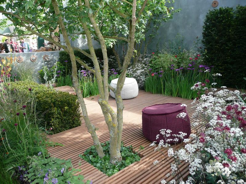 Mordernusis menas j s sode ir namuose viskas apie sod for Creating a courtyard garden